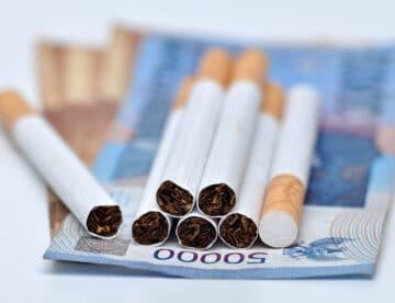 הבריח סיגריות בשווי מאות אלפי שקלים, נתפס במכס – ונענש בתשלום כופר בלבד