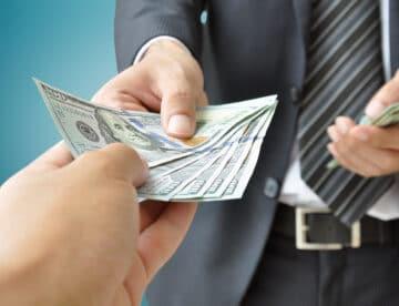 כך מבטלים אישום פלילי: מעלימי מס משלמים כופר – והאחריות הפלילית נמחקת