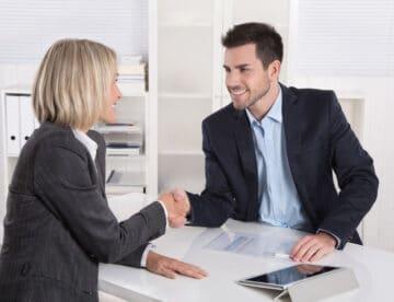 סוכן הביטוח שהסתבך עם אשתו – וגם עם רשות המסים