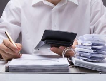 חשוד בעבירת מס או הלבנת הון? כך תפעל בעת חיפוש ובחקירה