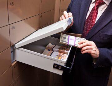 """חשבון בנק בחו""""ל: מה מותר ומה אסור לפי החוק?"""