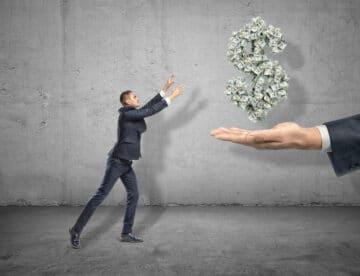 הסמכות של רשות המסים להוצאה וגבייה של שומה מיידית וחד צדדית