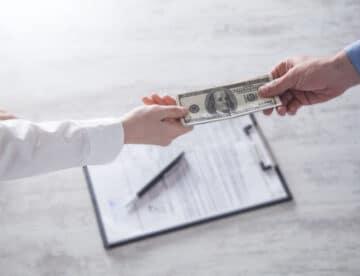 הטלת כופר על רואי חשבון, יועצי מס ועורכי דין, כתחליף להעמדה לדין